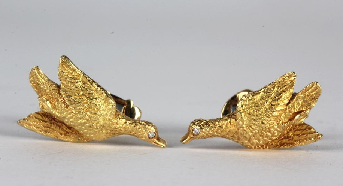 Tiffany & Co 18k GOLD Diamond Duck Bird Cufflinks
