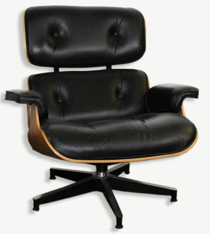 Charles & Ray Eames Black Leather Lounge Chair 670