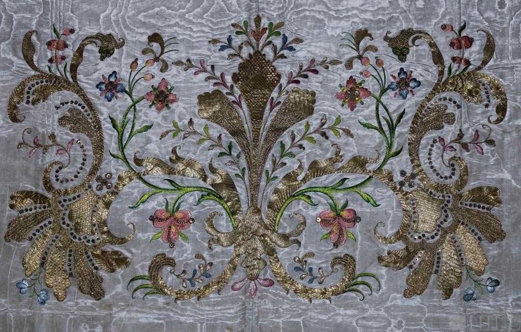 18th Cen Austrian Embroidered Metal Thread Gremial Veil