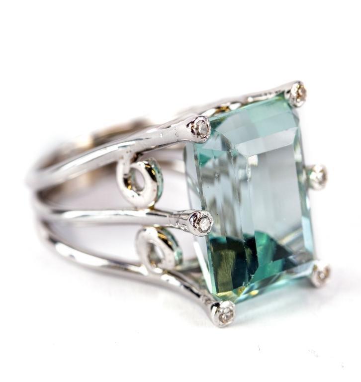 18k White Gold Aquamarine & Diamond Cocktail Ring