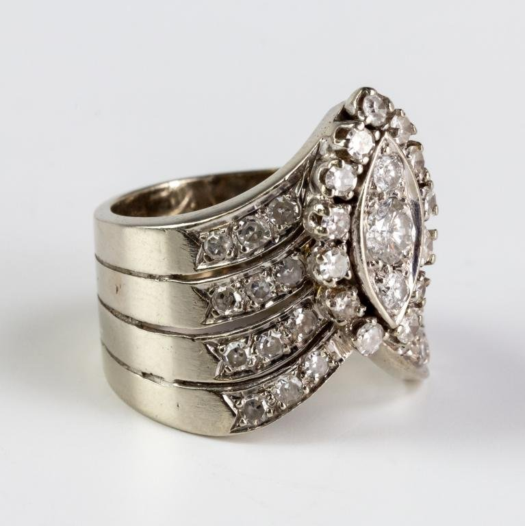 Ladies Retro 14k White Gold Diamond Chevron Ring