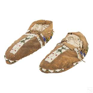 Native American Indian Cheyenne Arapaho Moccasins