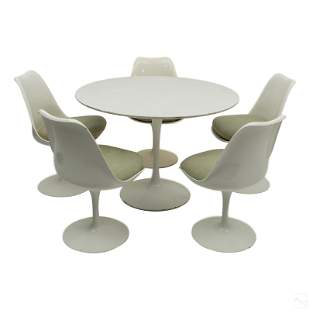 Eero Saarinen for Knoll Table & 5 Tulip Chairs Set