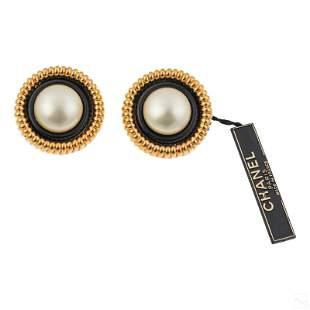 Chanel Designer Gilt Pearl Enamel Fashion Earrings
