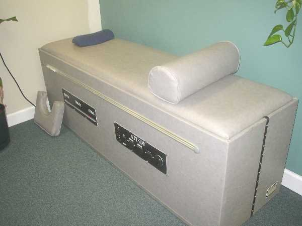 32: ATT-300 TRACTION AND CHIROPRACTIC TABLE: