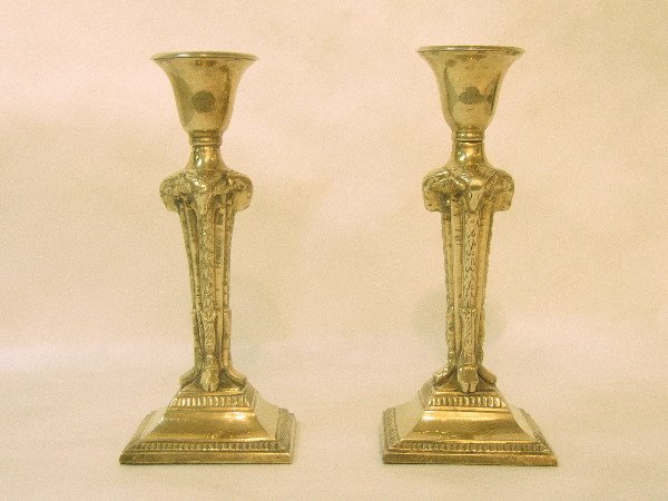 8: PAIR OF RAMS HEAD BRASS CANDLESTICKS: C.1900, 9.5 H.