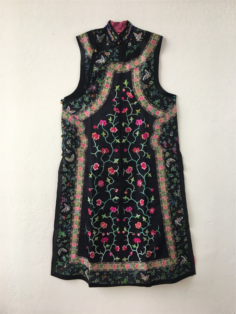 A CHINESE EMBROIDERED SILK LONG VEST
