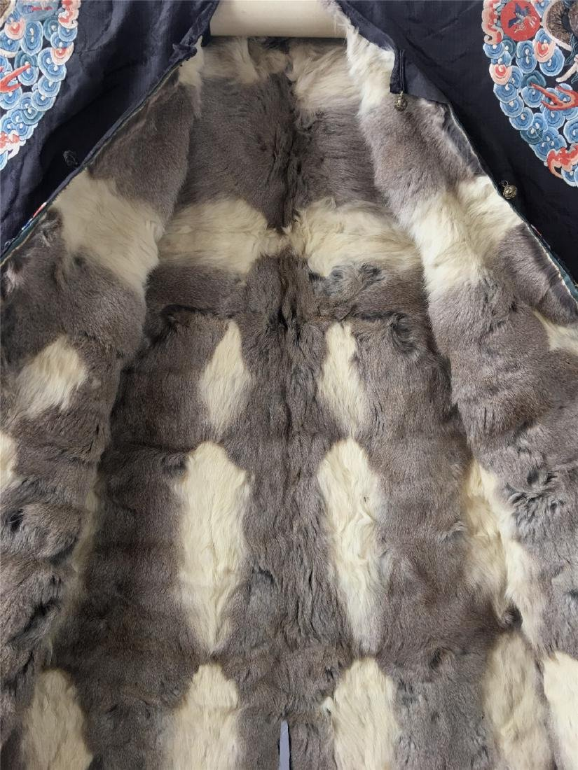 A CHINESE SILK EMBROIDERED FUR-LINED WINTER COAT - 4