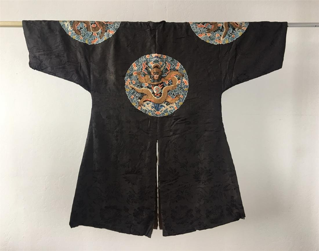 A CHINESE SILK EMBROIDERED FUR-LINED WINTER COAT - 8
