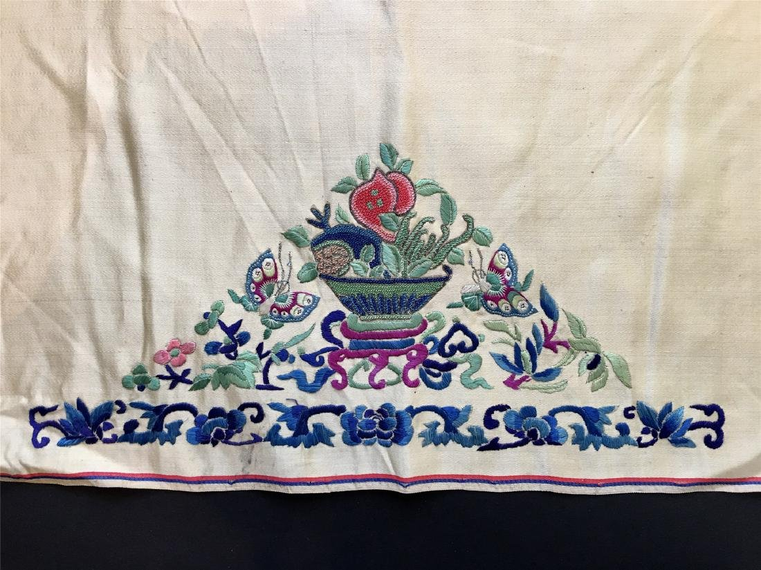 A PIECE OF CHINESE SILK EMBROIDERED FABRIC - 3
