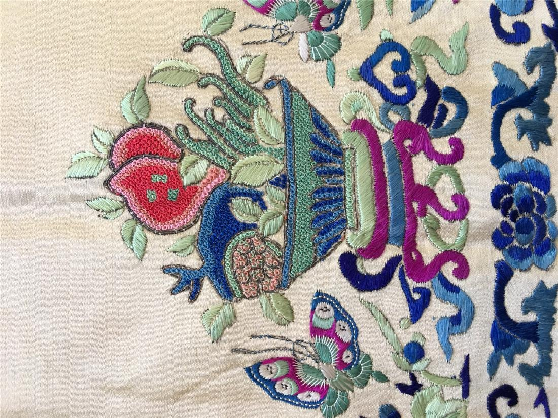 A PIECE OF CHINESE SILK EMBROIDERED FABRIC - 4