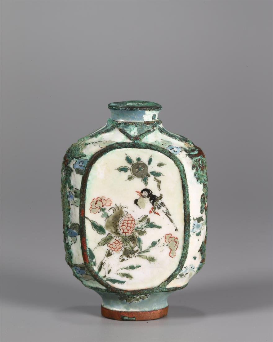 A CHINESE BRONZE PAINTED ENAMEL SNUFF BOTTLE
