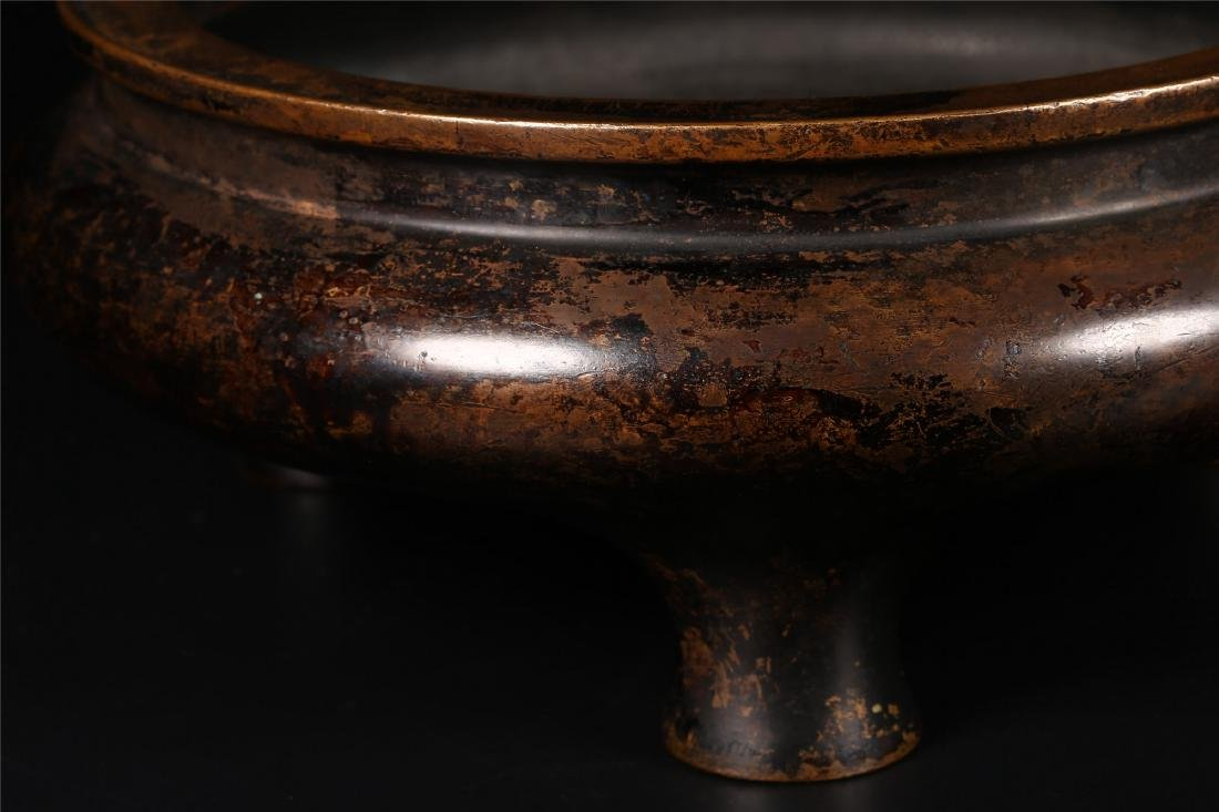 A CHINESE BRONZE TRIPOD CENSER - 8