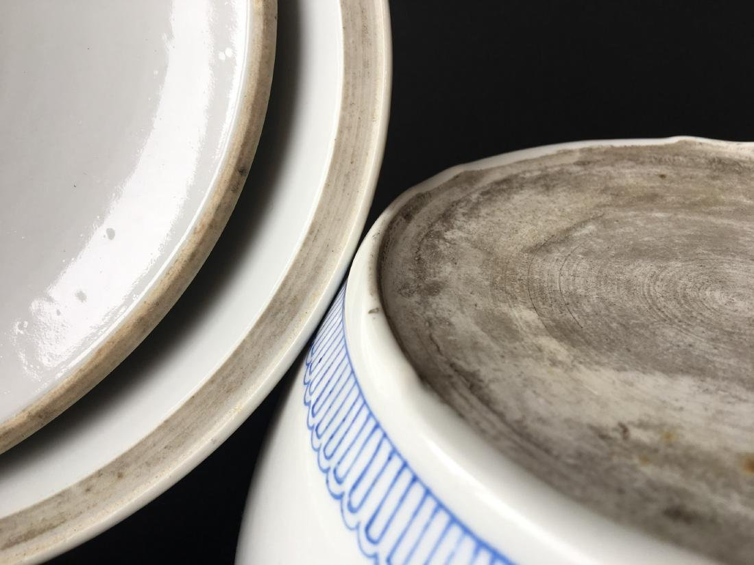 TWO SETS OF CHINESE PORCELAIN WARES - 8