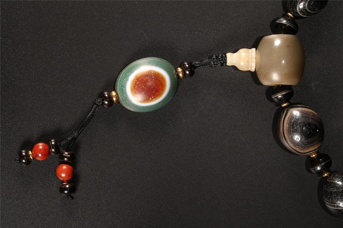 A SET OF CHINESE AGATE PRAYER BEADS - 2
