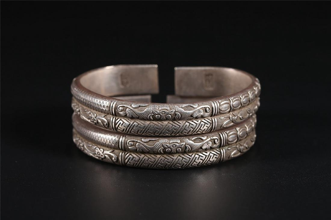 A PAIR OF CHINESE SILVER BANGLES - 2