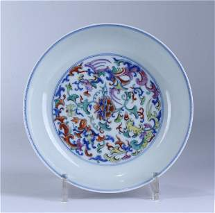 A CHINESE DOUCAI PORCELAIN FLOWER DISH