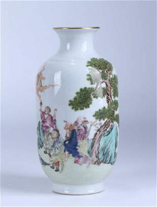 A CHINESE FAMILLE ROSE PORCELAIN LUOHAN VASE