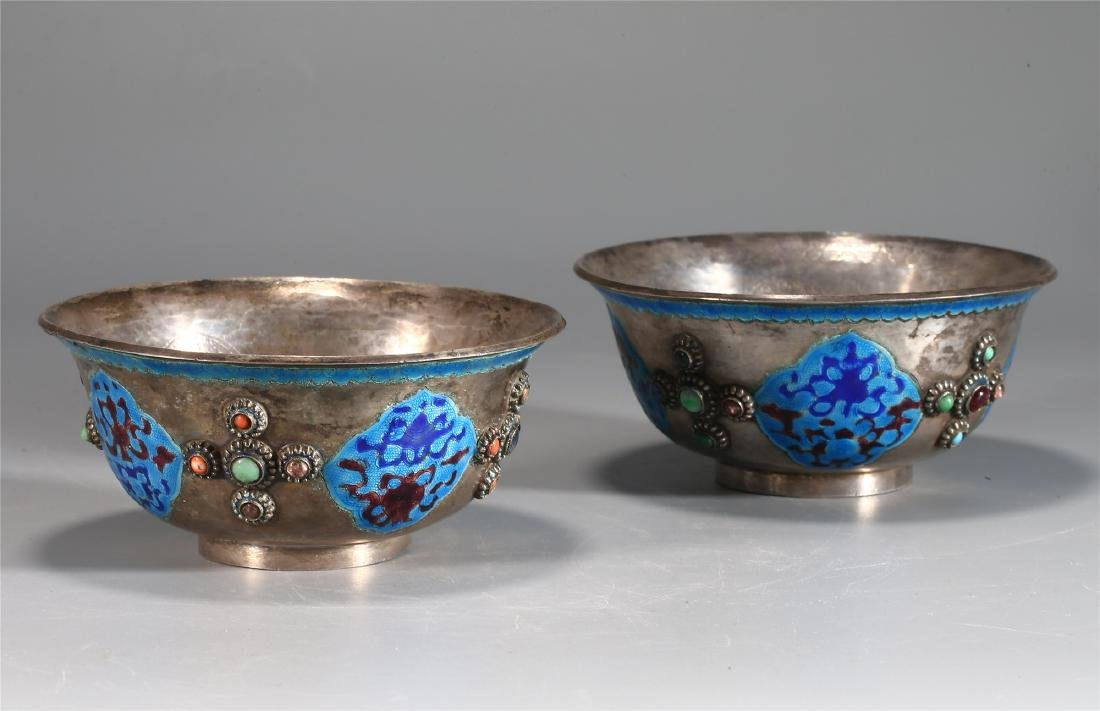 PAIR OF CHINESE SILVER AND ENAMEL CUPS