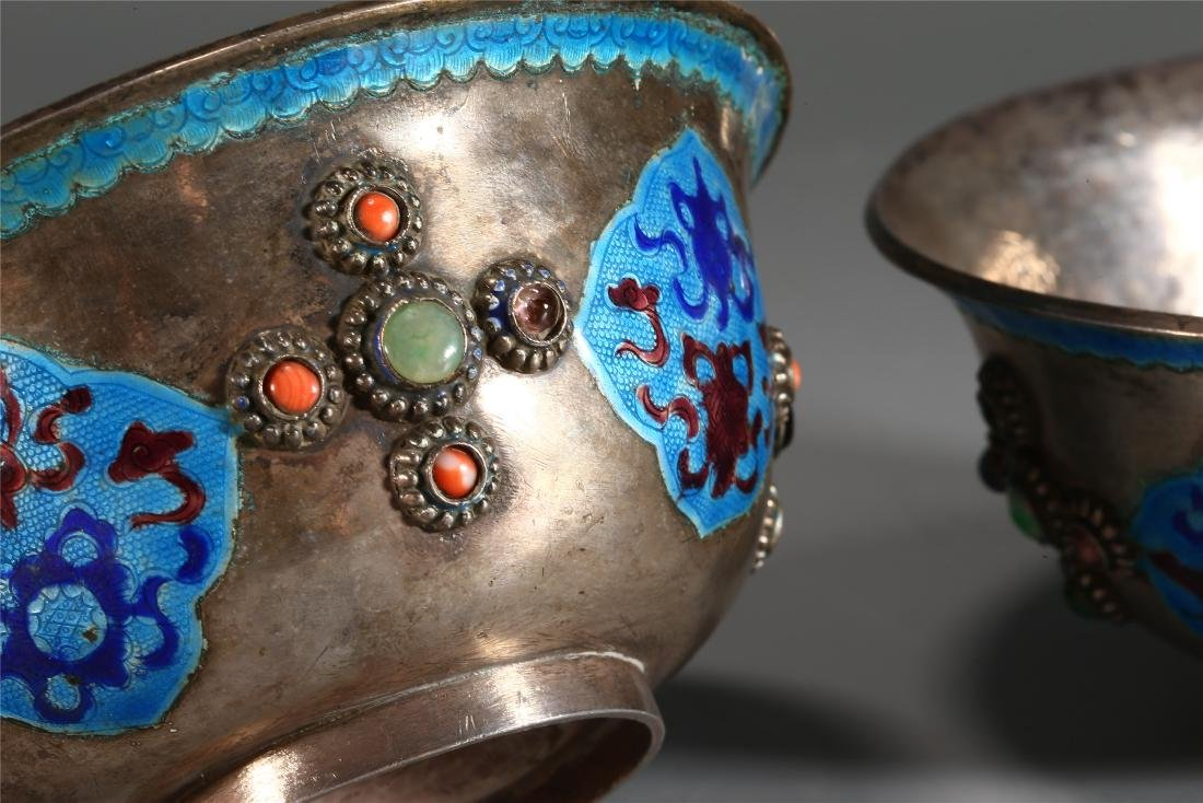 PAIR OF CHINESE SILVER AND ENAMEL CUPS - 5