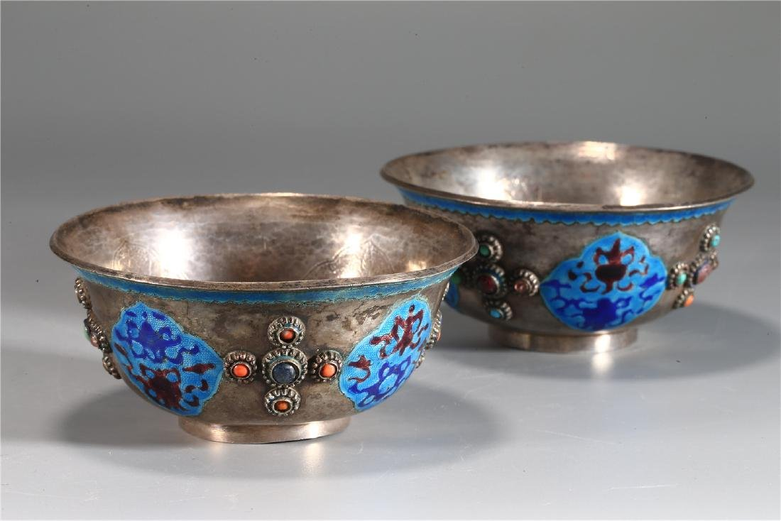 PAIR OF CHINESE SILVER AND ENAMEL CUPS - 8