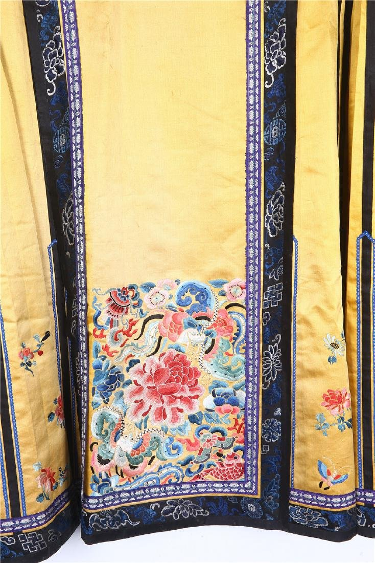 CHINESE EMBROIDERED SILK SKIRT - 2