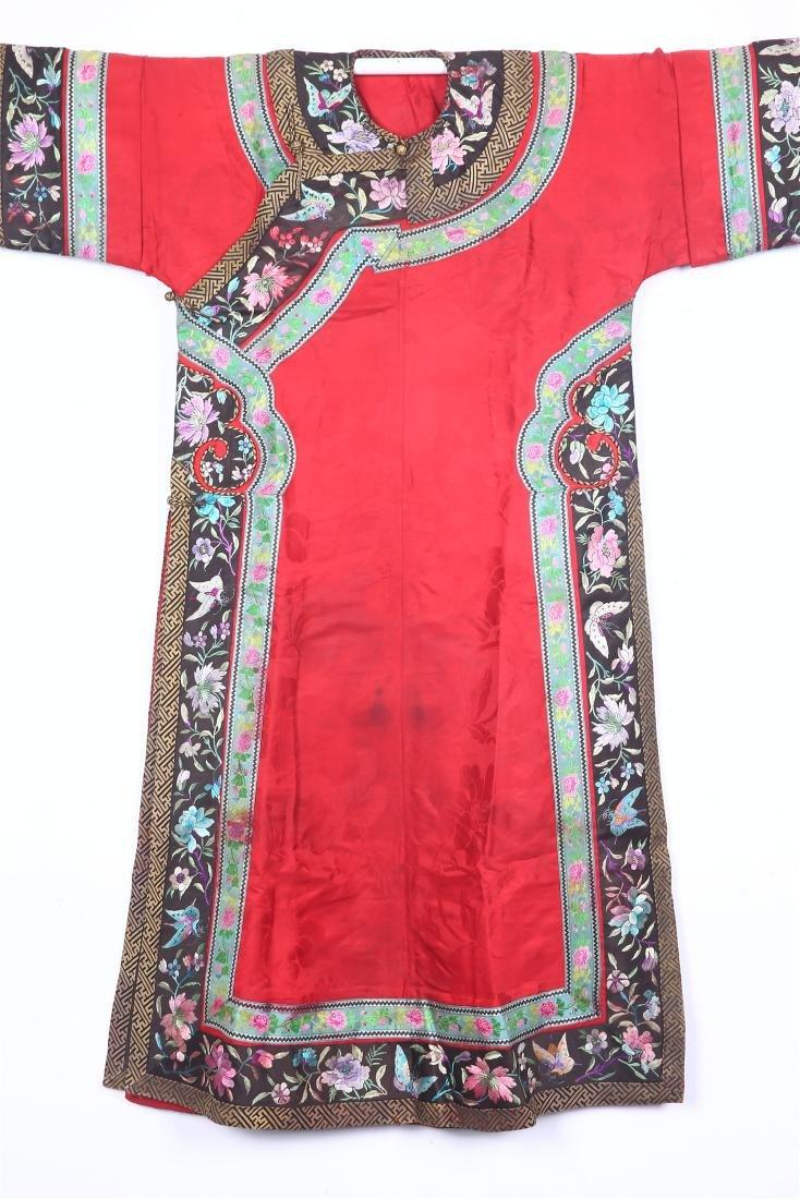 CHINESE EMBROIDERED SILK MANCHU WOMAN'S ROBE - 2