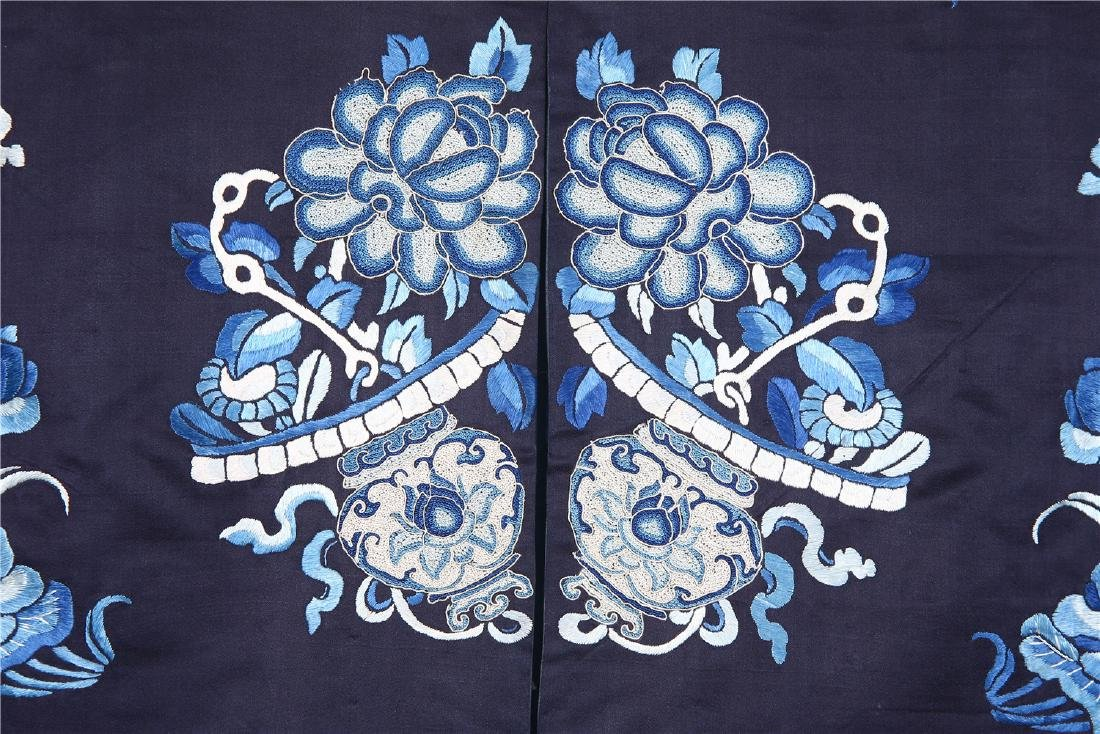 CHINESE EMBROIDERED SILK WOMAN'S COAT - 4
