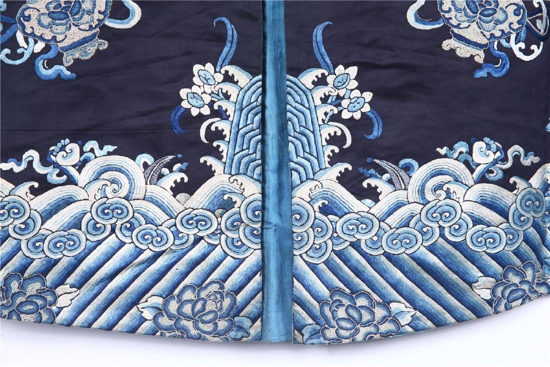 CHINESE EMBROIDERED SILK WOMAN'S COAT - 7