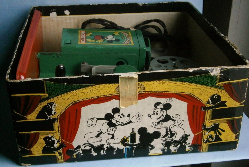 1930s Mickey Mouse Movie Projector by Keystone Mfg. Co. - 10