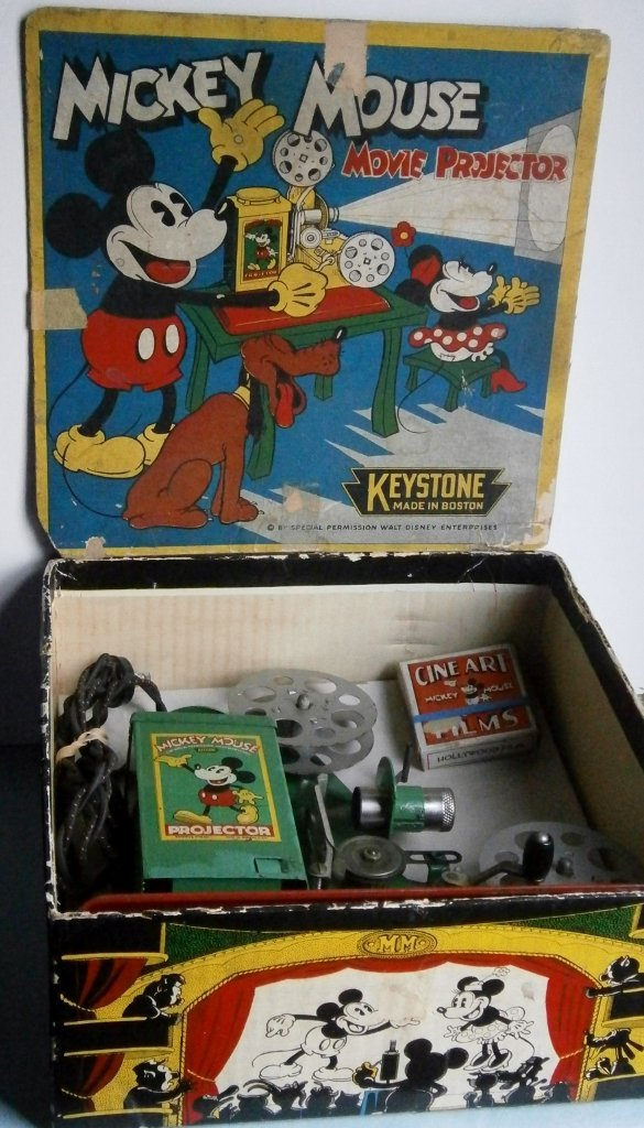 1930s Mickey Mouse Movie Projector by Keystone Mfg. Co. - 6