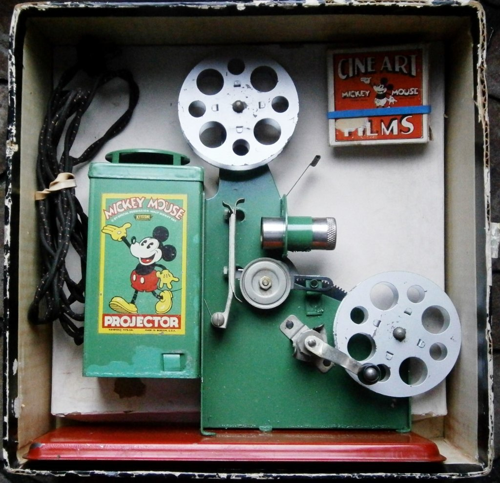 1930s Mickey Mouse Movie Projector by Keystone Mfg. Co. - 9