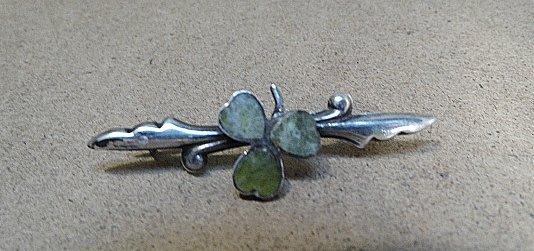 Pretty Antique English Silver & Agate Shamrock Pin
