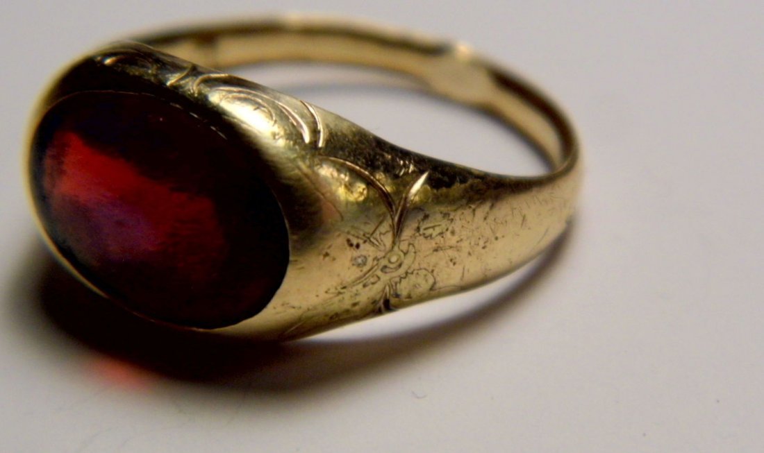 Victorian Rolled Gold Ring Red Stone Reflects Blue