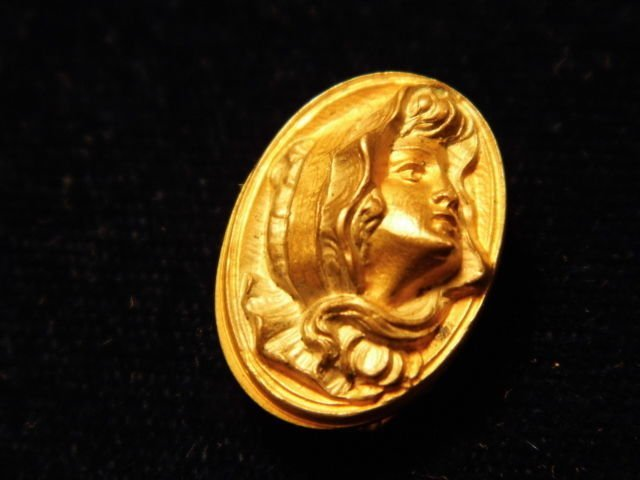 Antique Victorian Gilt Bronze Cameo Clip
