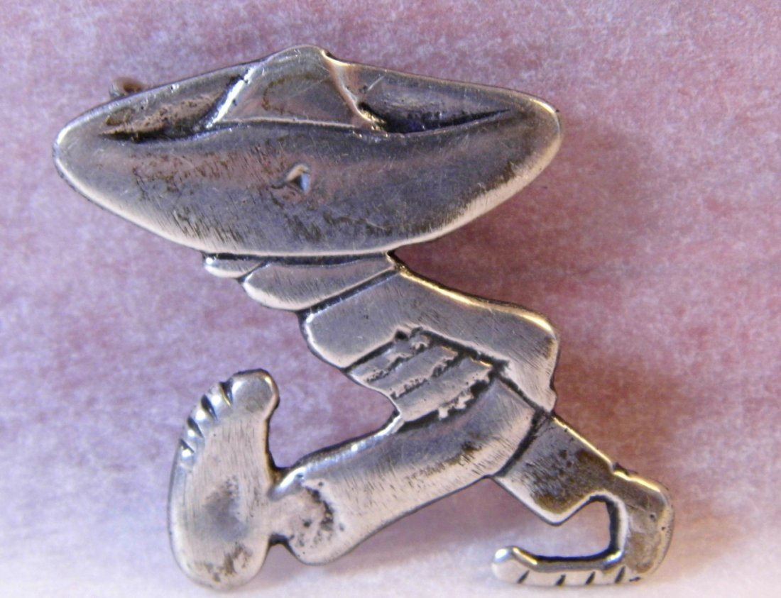 Very Vintage Iconic Mexican Silver Paisan Brooch - 5