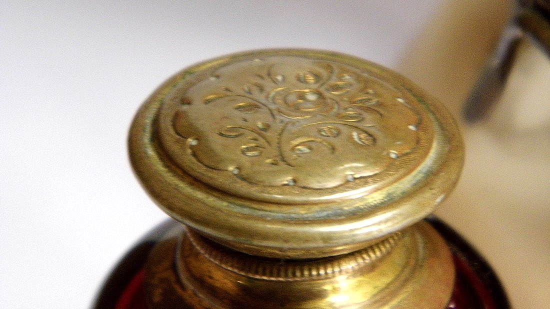 Antique Footed Turban Shell Brass Ink Well - 5