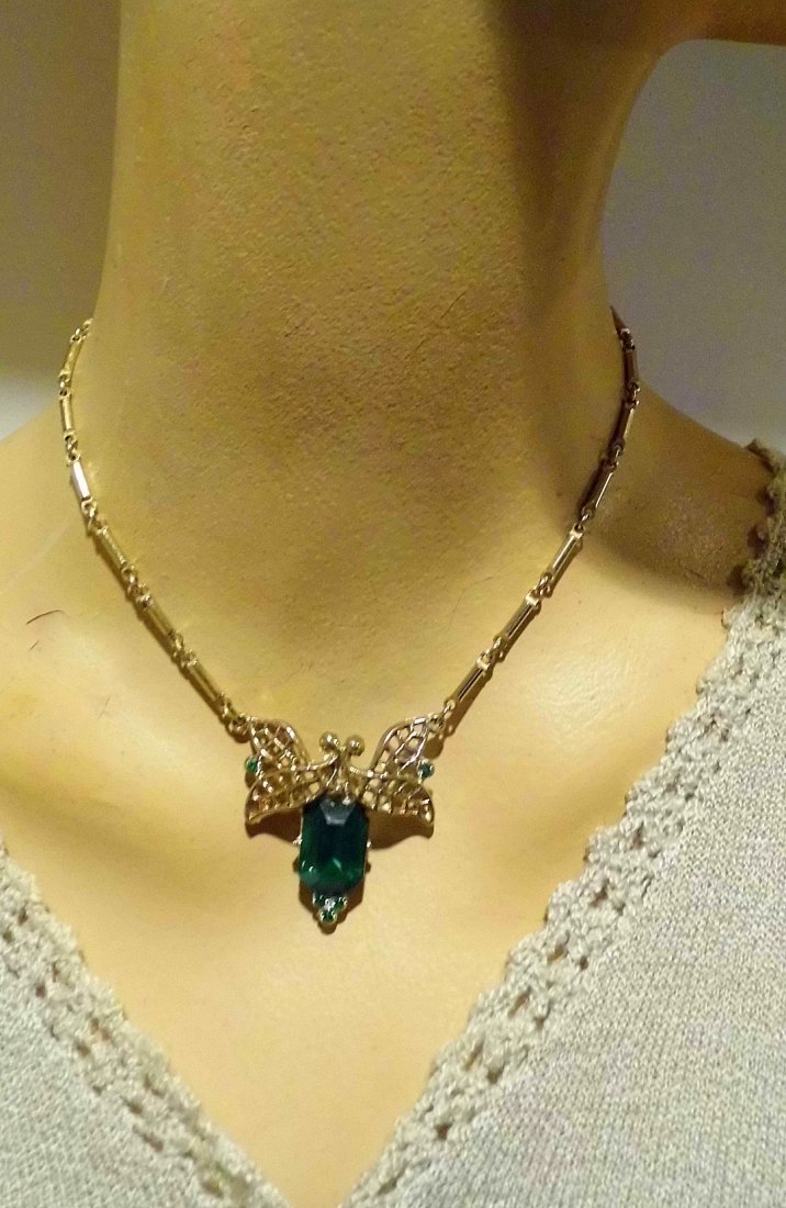1940's Art Deco Cut Emerald Glass Necklace - 4