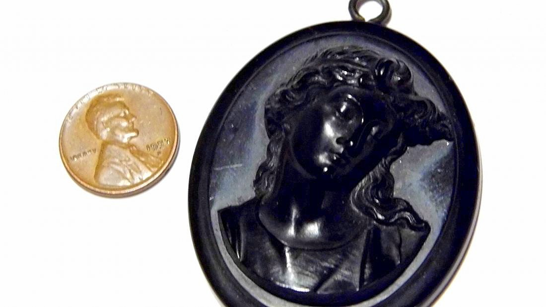 Bakelite Victorian Cameo Mourning Necklace Pendant - 5