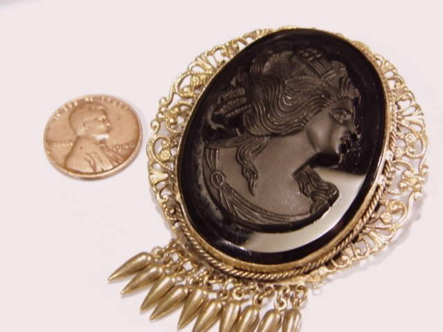 Large Victorian Revival Cameo Mourning Brooch - 5