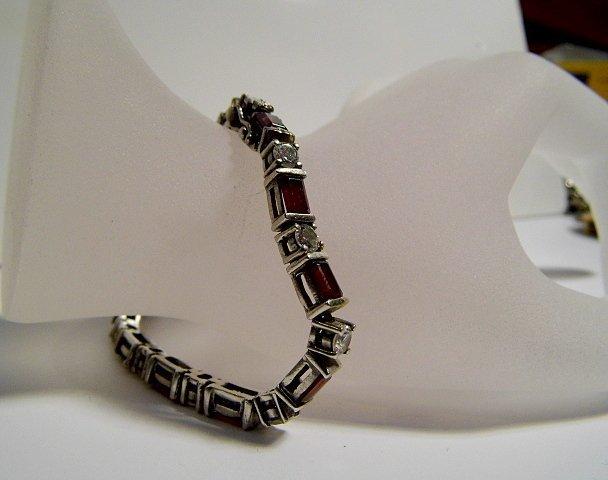 Vintage Finely Crafted Sterling Silver Bracelet Garnets