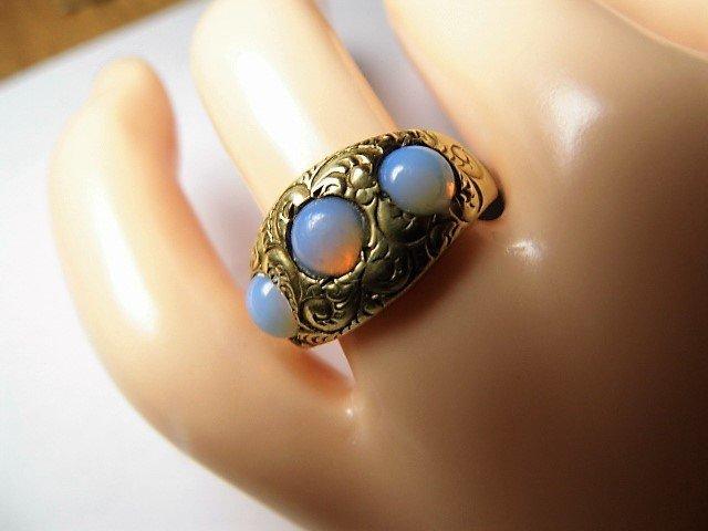 Vintage 14 Karat Opal Ring Vibrant Stones sz 7