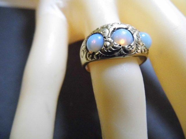Vintage 14 Karat Opal Ring Vibrant Stones sz 7 - 8