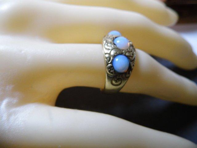 Vintage 14 Karat Opal Ring Vibrant Stones sz 7 - 9