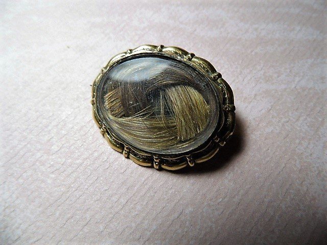 Beautiful Antique Victorian Mourning Pin