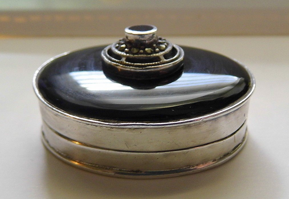 Fine Vintage Sterling Marcasite Onyx Pillbox Hallmarked
