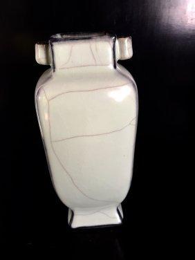 Guanyao Chinese Porcelain Vase
