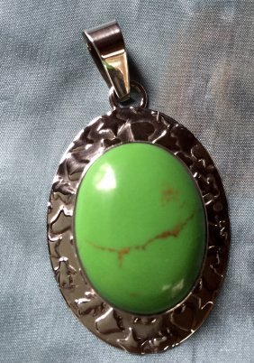 A Green Turquoise Pandent With Silver