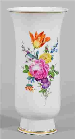 Groe Ziervase mit Blumendekor