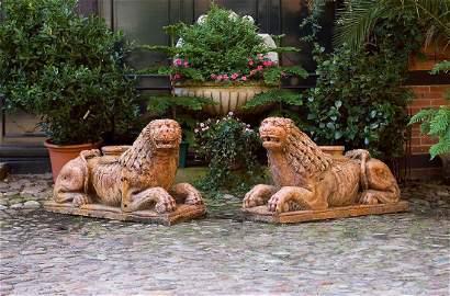 Paar große antike Portallöwen